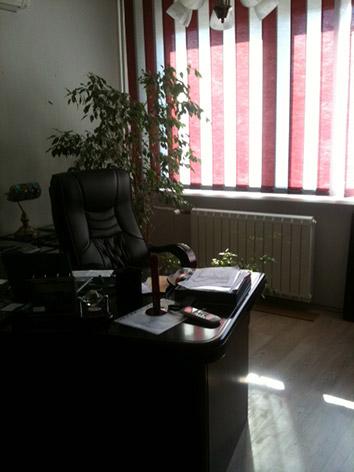 XIII. Panel lakásból iroda